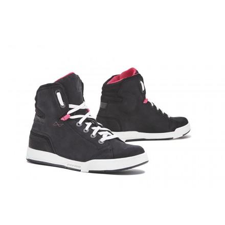 Scarpe donna moto urban Forma Swift Dry Nero bianco black white lady shoes