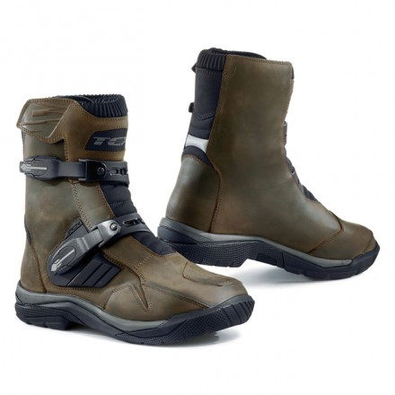 Stivali bassi moto adventure touring Tcx Baja mid wp marrone brown waterproof boots